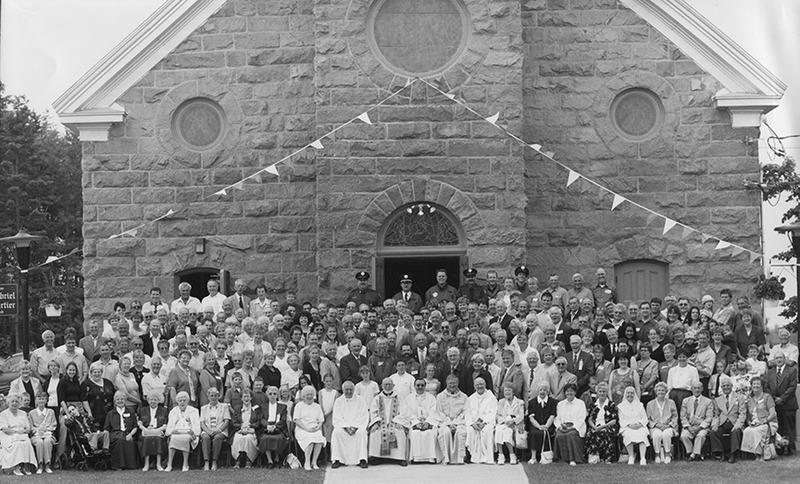 <p>150e anniversaire de la cons&eacute;cration de la premi&egrave;re &eacute;glise catholique &agrave; Valcartier. (14 juillet, 2002)</p>