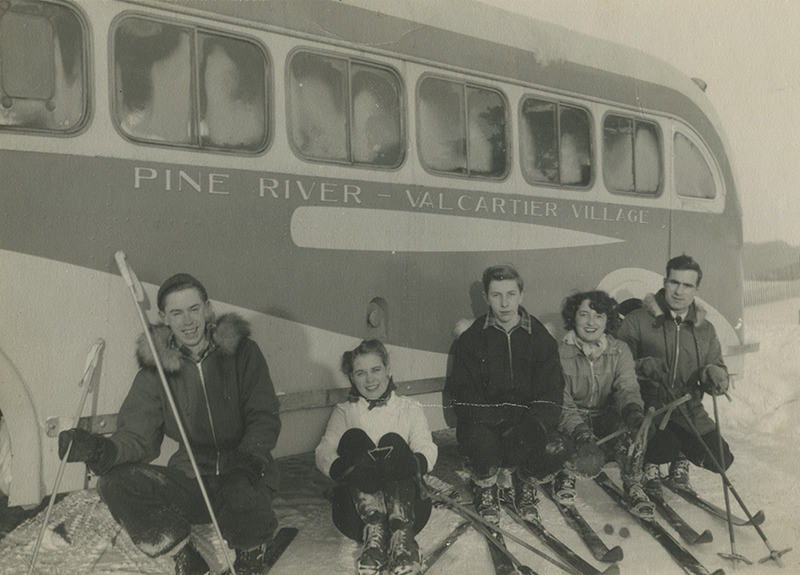 <p>Before the &#39;Village Vacances Valcartier&#39;, the Valcartier Ski Lodge (now the &#39;&Eacute;cole secondaire Mont-Saint-Sacrement&#39;) was a popular attraction for winter sports in Valcartier. (1943)</p>