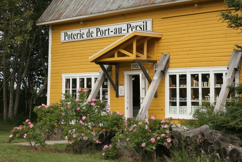 The story of the Poterie de Port-au-Persil begins in 1974 with the arrival of a famous and renowned Québécois pottery master. This artist had the intuition and the good taste to set up his school-shop in this extraordinary country to do research and develop his glazes from Charlevoix.