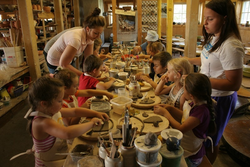 What truly represents the soul of our establishment is without a doubt our school-shop that allows people of all ages to learn about the pleasure of shaping and the potter's wheel. The activity offered early June to the end of summer welcomes singles, couples, families; we also have day camps and off season on demand for student groups or others.