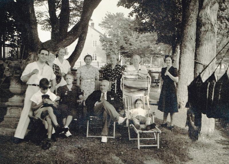 Une autre jolie photo de la famille de Monsieur Grant et de sa famille.