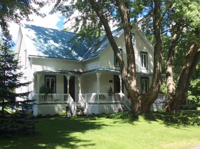 Photo actuelle de la maison de Monsieur Grant, située au 100, route de l'Internationale à Batiscan.