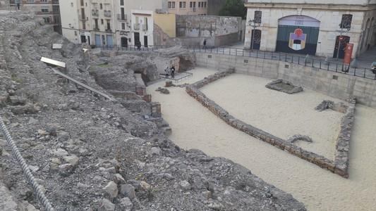 On peut voir ici une partie des vestiges du cirque de Tarraco.En déambulant dans les rues de la ville, vous pourrez observer les restes des structures du cirque à différents endroits.