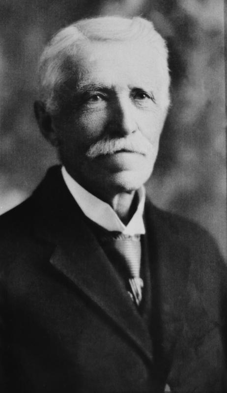 Homme aux multiples talents et intérêts, le docteur Brisson laisse une empreinte profonde dans l'histoire de La Prairie. Notammentà titre de médecin, où il joue un rôle majeur dans l'adoption de mesures visant à assurer une meilleure hygiène publique.