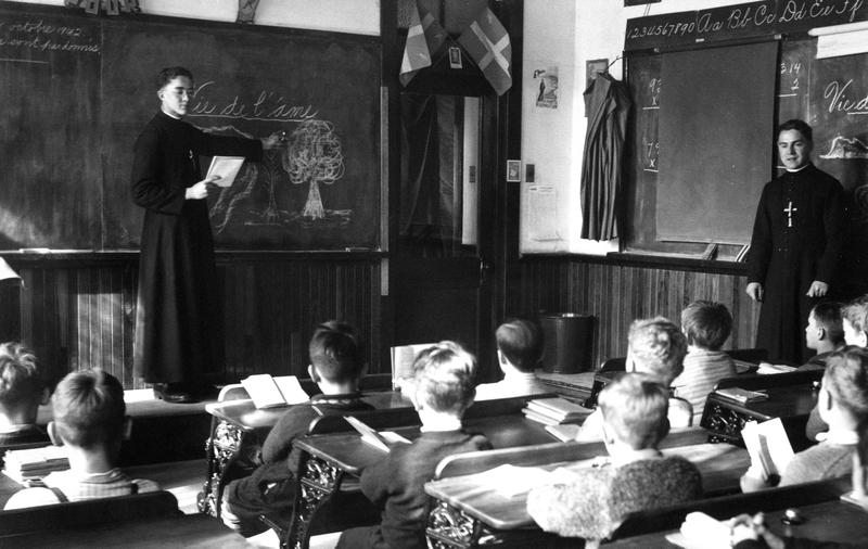 Les cours pratiques d'antan permettaient aux futurs enseignants de découvrir leur habiletés.