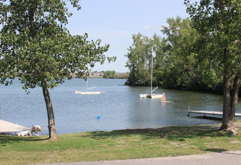 De nos jours, les autorités multiplient les efforts pour faciliter l'accès au fleuve aux citoyens de la municipalité.