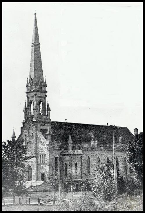 L&#39;&Eacute;glise Saint-Patrice avant la temp&ecirc;te du 26 f&eacute;vrier 1918.<br /><br />Cr&eacute;dit photo : http://saint-patrice.org