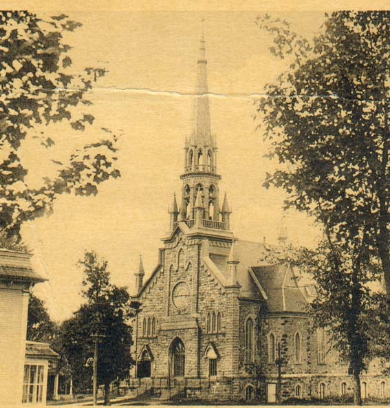 Nouveau clocher de l'église Saint-Patrice.