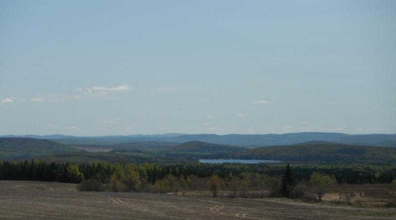 <p>Panorama sur l&#39;ensemble de la MRC &agrave; partir de Val-d&#39;Ir&egrave;ne.<br /><br />&Agrave; 12 km (20 min) d&rsquo;Amqui.<br />&Agrave; 14,6 km (25 min) de Saint-L&eacute;on.</p>