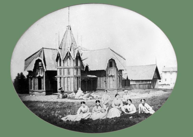 <p>La villa de Markland Molson, apr&egrave;s la construction.<br /><br />En 1875, une voisine, dame Isabelle Ann Allan, acheta le cottage qui demeura dans sa famille pendant 27 ans.<br /><br />Source photo:<br />Coll. David et Val&eacute;rie Shannon</p>