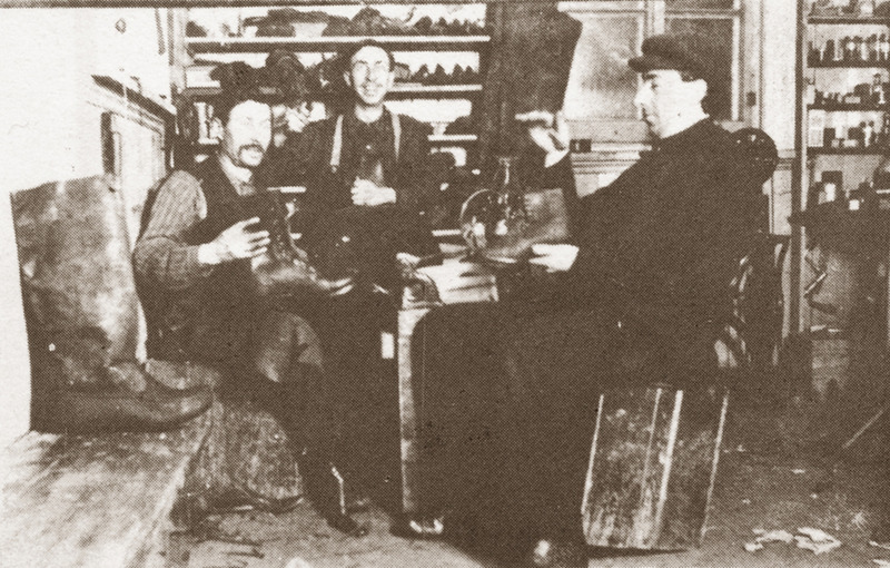 <p>Eus&egrave;be Rivard&rsquo;s workshop.<br /><br />Over the years, Eus&egrave;be Rivard also stopped selling household products and staples to focus on making shoes and repairing clocks. This work kept him very busy, especially when it came time to restitch all the shoes for the nuns of the S&oelig;urs de la Charit&eacute; convent, with the help of Alfred Larouche. Monsieur Rivard also helped his two sons, Aim&eacute; and Paul-&Eacute;mile, open businesses close to the family home.<br /><br />Photo source :<br />Souvenir Album of Cacouna 1975</p>