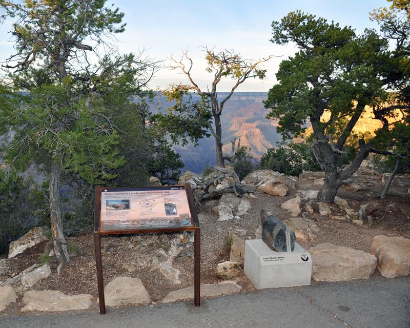 <p>Le plus vieux rocher connu au Grand Canyon s&#39;appelle l&#39;Elves Chasm Gneiss, et il est &acirc;g&eacute; de 1840 millions d&#39;ann&eacute;es.<br /><br />Photo: Grand Canyon NPS</p>