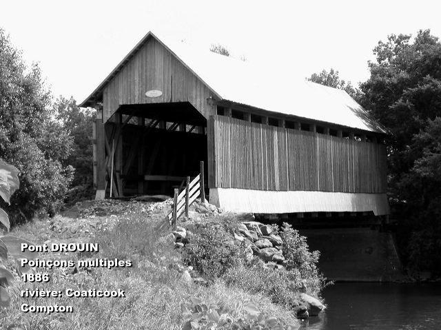 <p>Ce vieux pont couvert a surv&eacute;cu aux tourmentes printani&egrave;res r&eacute;p&eacute;t&eacute;es.</p>