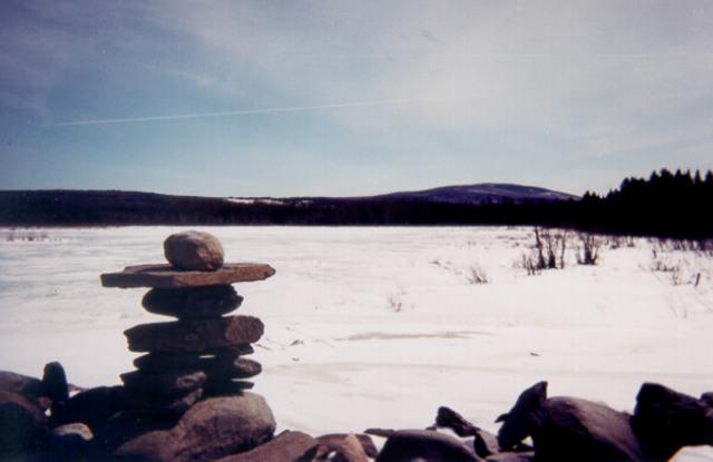 <p>Le marais Duquette est am&eacute;nag&eacute; en site ornithologique avec un sentier et une tour d&#39;observation.</p>