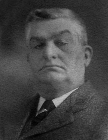 <p>Originaire du New Hampshire, cet entrepreneur forestier voyait aux int&eacute;r&ecirc;ts d&rsquo;une compagnie foresti&egrave;re propri&eacute;t&eacute; de son fr&egrave;re George. Alors que ce dernier demeura du c&ocirc;t&eacute; am&eacute;ricain, Thomas s&rsquo;&eacute;tablit &agrave; East Hereford.</p>