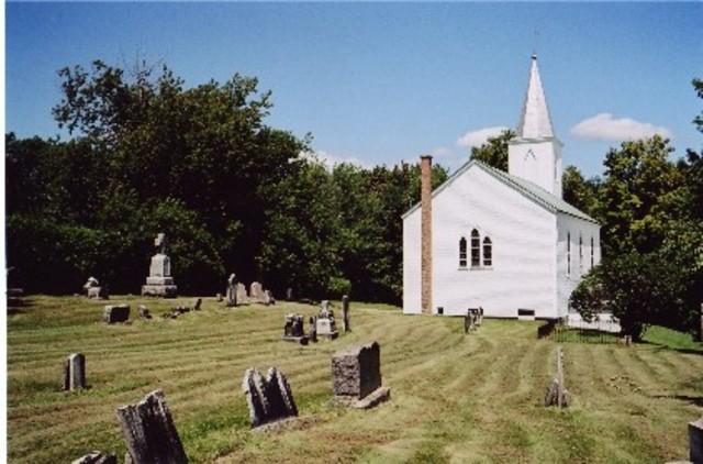 <p>&Agrave; votre gauche: l&#39;&eacute;glise anglicane St. Barnabas, t&eacute;moin de la prosp&eacute;rit&eacute; de Milby &agrave; une autre &eacute;poque et son cimeti&egrave;re.</p>