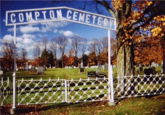 <p>Juste &agrave; c&ocirc;t&eacute; se trouve aussi le Compton Cemetery.&nbsp;</p>