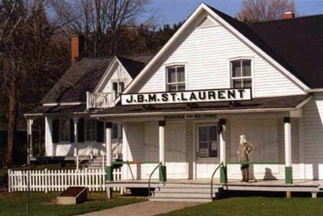 <p>Ouvert aux visiteurs depuis 1982, ce lieu comm&eacute;more la vie et l&#39;&oelig;uvre de Louis-S. St-Laurent (1882-1973).</p>