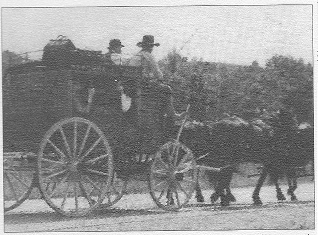 <p>Des diligences comme celle-ci parcouraient les routes de Barnston &agrave; la fin du 19e si&egrave;cle. L&rsquo;itin&eacute;raire des diligences passe par le coin nord-ouest de Barnston et s&rsquo;arr&ecirc;te &agrave; l&rsquo;auberge King au c&oelig;ur du hameau de Kingscroft.</p>