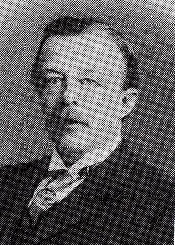 <p>N&eacute; en 1867, Auguste G&eacute;rin-Lajoie, s&rsquo;installe &agrave; Sainte-Edwidge-de-Clifton en 1888 o&ugrave; il deviendra le premier fromager de l&rsquo;endroit. Il d&eacute;m&eacute;nage ensuite &agrave; Coaticook et dirige plusieurs fromageries.</p>