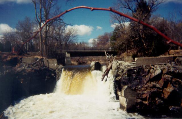 <p>Ce barrage renferme &agrave; lui seul un large pan d&#39;histoire.</p>