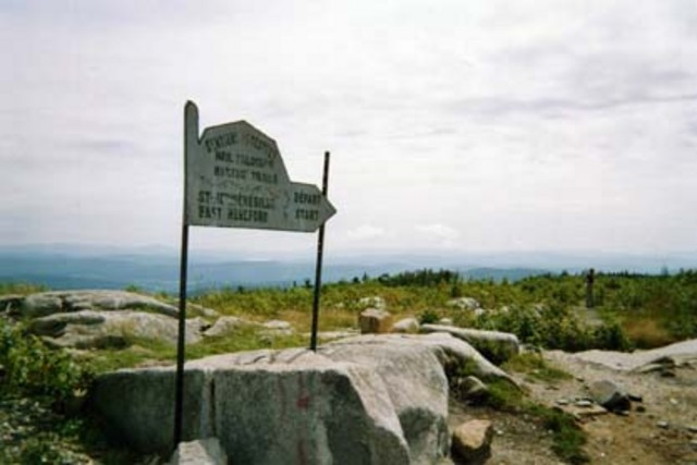 <p>Admirez le mont M&eacute;gantic, Saint-Malo, East Hereford, le Lake Frances de Pittsburg au New Hampshire, les Appalaches (dont le mont Washington) et, bien s&ucirc;r, le village de Saint-Herm&eacute;n&eacute;gilde.</p>