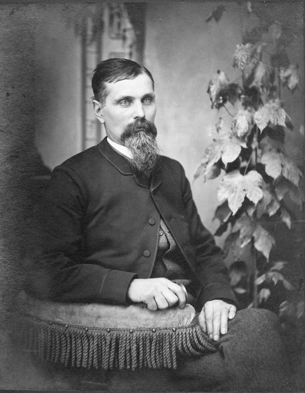 <p>Born in Dixville, at the time known as Drew&#39;s Mills, he was a member of a large pioneer family in the Coaticook region. He was a major player in the establishment of this municipality.</p>