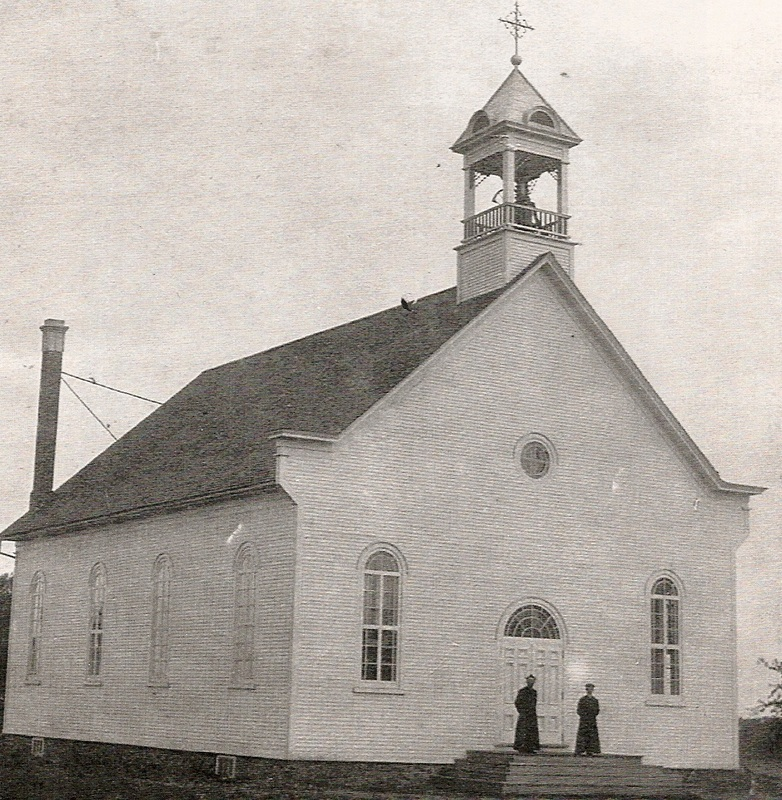 <p>The first church in Kingscroft was built in 1904. Sadly, in 1911 it became a victim of fire. However, it was rebuilt the following year.<br />The church was very meaningful in the life of&nbsp; Mme Veilleux. It remains today an important symbol of the resoluteness of its parishioners who have created of it an historic monument.</p>