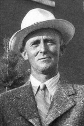 <p>He settled in Martinville in the mid-1920s.</p>