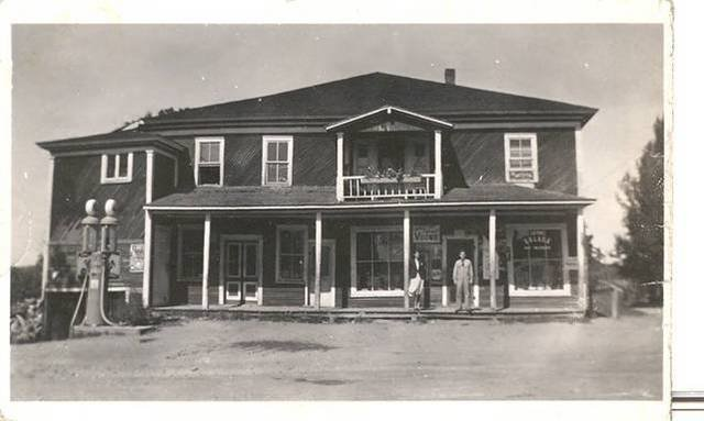 <p>Oscar Lessard was the owner of several stores, like the general store on the picture, as well as being a bridge builer and a snow removal contractor.</p>