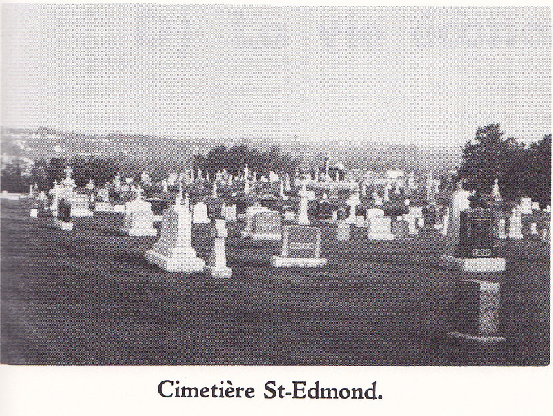 <p>Inaugurated in 1868, the St-Edmond cemetery is full of memories of pioneers from Coaticook&#39;s first hours.</p>