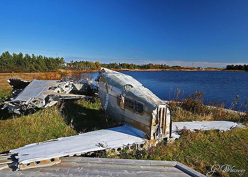 Frederick Banting décède pendant la Seconde guerre, à l'âge de 50 ans, lorsque l'avion qui l'amenait en Angleterre s'écrase à Terre-Neuve.