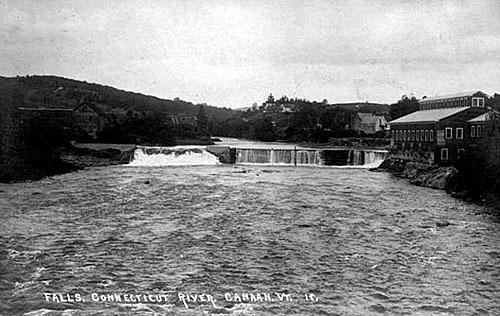 Neil Tillotson a grandi à Beecher Falls au Vermont