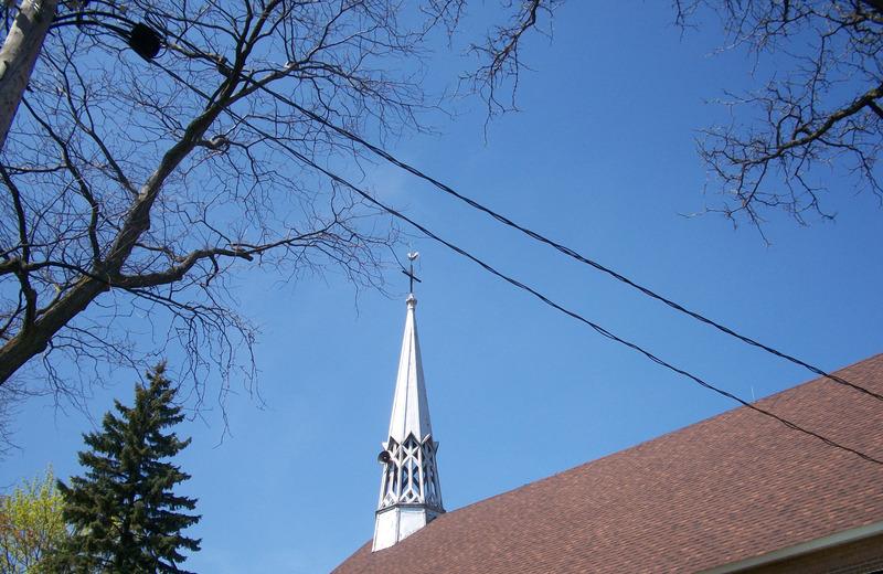 <p>PLUSIEURS LIEUX DE CULTES<br />(rue Charland, entre Papineau et Saint-Michel)<br /><br />arpenter les airs<br />&eacute;changer parcours de ciels<br />les clochers d&rsquo;hier sont totalement diff&eacute;rents dans chacune de nos &eacute;glises</p>