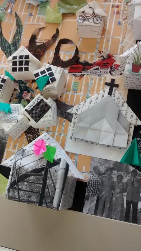 <p>TITRE DE L&#39;OEUVRE : SAINT-MICHEL VILLE ANIM&Eacute;E<br />(toile-graffiti en origami)</p>