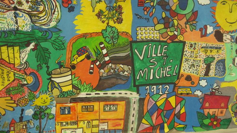 <p>TITRE DE L&#39;OEUVRE : SAINT-MICHEL HIER AUJOURD&#39;HUI DEMAIN<br />(musique)<br /><br />Oeuvre collective musicale inspir&eacute;e de <em>La petite histoire de Saint-Michel</em>, publi&eacute;e par la Biblioth&egrave;que de Saint-Michel et par la chanson du r&eacute;pertoire populaire <em>V&rsquo;l&agrave; le bon vent</em>. Apr&egrave;s s&rsquo;&ecirc;tre int&eacute;ress&eacute;s &agrave; l&rsquo;histoire de Saint-Michel, les participants nous racontent leurs propres petites histoires &agrave; eux. &Agrave; travers ces anecdotes personnelles nous d&eacute;couvrons le visage humain de Saint-Michel. Un voyage dans le temps &agrave; travers les souvenirs d&rsquo;hier et d&rsquo;aujourd&rsquo;hui, qui nous am&egrave;ne &agrave; nous projeter vers demain et &agrave; r&ecirc;ver le futur du quartier.</p>