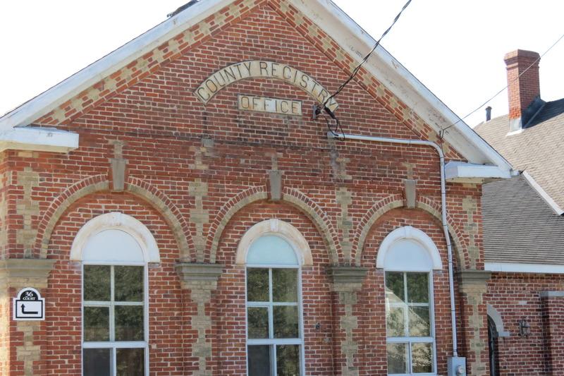 <p>&Eacute;difice construit en 1874, administr&eacute; par les Comt&eacute;s unis jusqu&#39;en 1969 et remis alors au gouvernement provincial.</p>