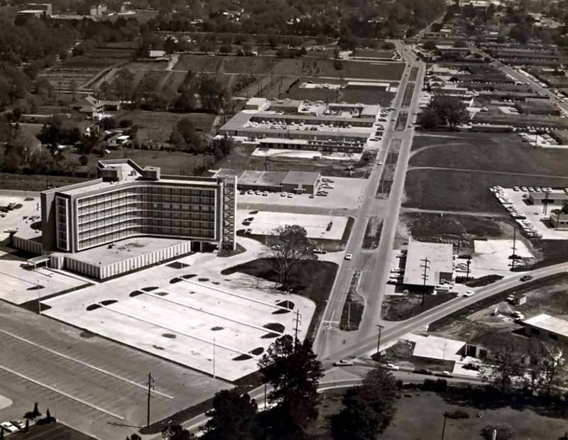 <p>Aerial look of the Heymann Oil Center / Regard a&eacute;rien sur le Heymann Oil Center.&nbsp;(Courtesy Lafayette Clerk of Court)</p>