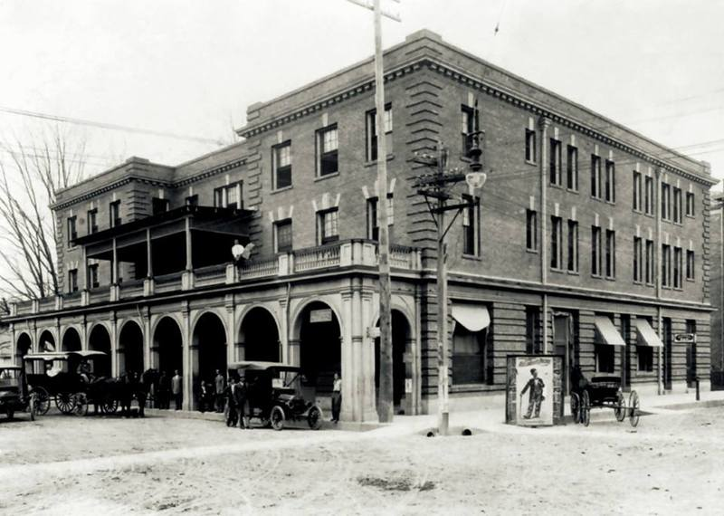<p>Gordon Hotel 1920 - H&ocirc;tel Gordon 1920&nbsp;(Courtesy Lafayette Clerk of Court)</p>