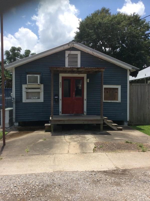 <p>Une autre maison typique du quartier historique des gens de couleurs, situ&eacute;e au 602 rue East Vermilion Est.</p>