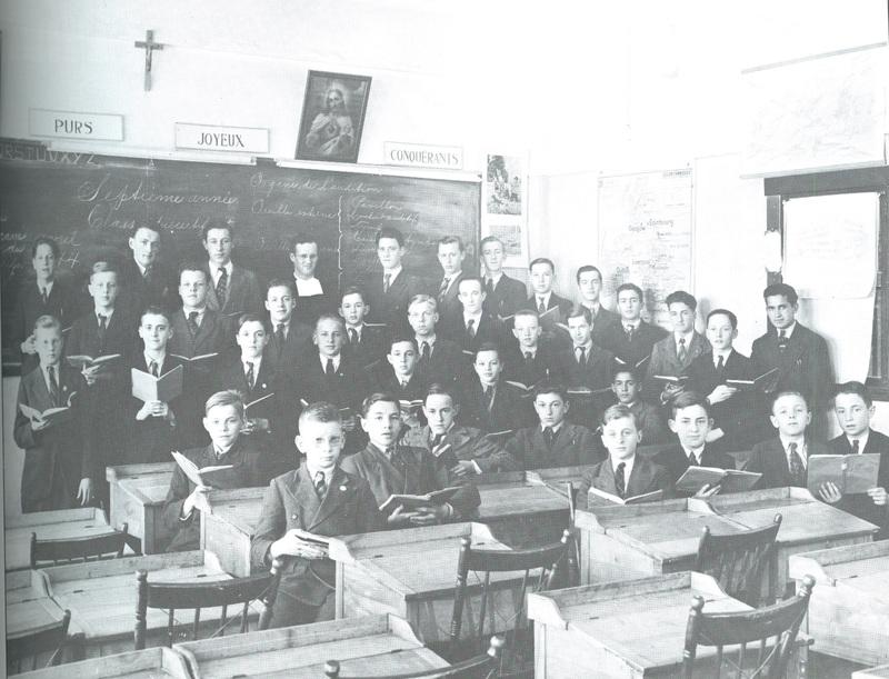 <p>Une classe du Coll&egrave;ge en avril 1944.</p>