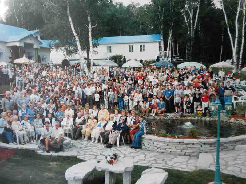 <p>The descendants of Isidore and their spouses in the year 2000, at the large family reunion held at Omer Madore&rsquo;s in Baldwin&rsquo;s Mills.</p>