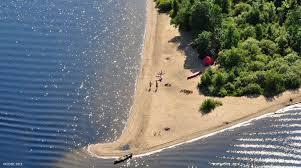 <p>Si vous croyez qu&rsquo;une for&ecirc;t en vaut une autre, c&rsquo;est que vous ne connaissez pas encore le Parc r&eacute;gional Kiamika!<br />Pour des activit&eacute;s en toute saison qui sortent de l&rsquo;ordinaire, c&rsquo;est naturellement le Kiamika.<br />Troquez le banal pour la dimension magique du Kiamika avec des kilom&egrave;tres de plages sablonneuses et du camping en toute intimit&eacute;, la p&ecirc;che et le canot, le kayak et l&rsquo;observation de la faune, la chasse et le tra&icirc;neau &agrave; chiens, la raquette et&hellip; tellement d&rsquo;activit&eacute;s &agrave; la mode des Qu&eacute;b&eacute;cois. Parce qu&rsquo;au Parc r&eacute;gional Kiamika, la nature est &agrave; la hausse!</p>
