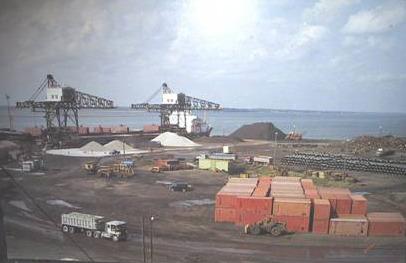 <p>Site du port de Montr&eacute;al avec ses anciennes grues.</p>
