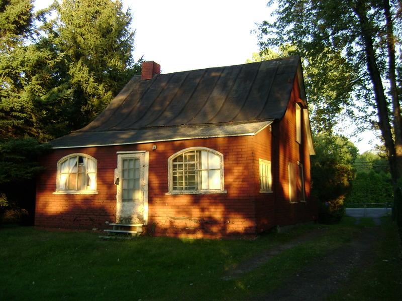 <p>La&nbsp;vraie maison de Batissette Aug&eacute; dont fait r&eacute;f&eacute;rence Honor&eacute; Beaugrand dans&nbsp;son &eacute;criture de la&nbsp;l&eacute;gende de la chasse-galerie.</p>