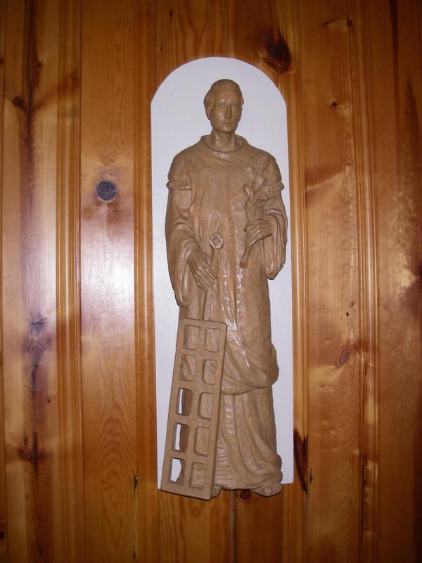 <p>La sculpture de Saint-Laurent que l&rsquo;on retrouve &agrave; l&rsquo;int&eacute;rieur de l&rsquo;&eacute;glise Saint-Laurent-du-Fleuve.</p>